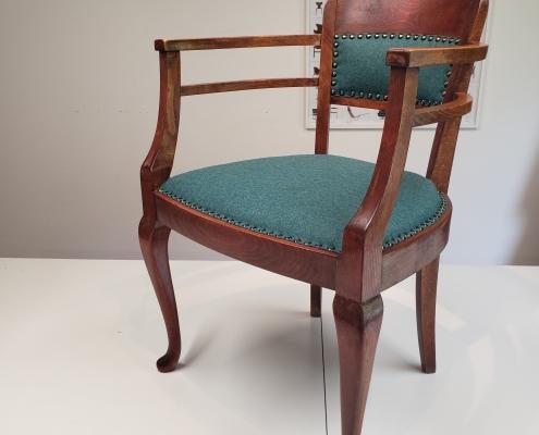 Blå gammmeldags stol